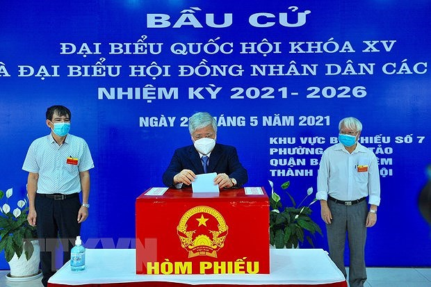 Voters nationwide cast ballots hinh anh 1