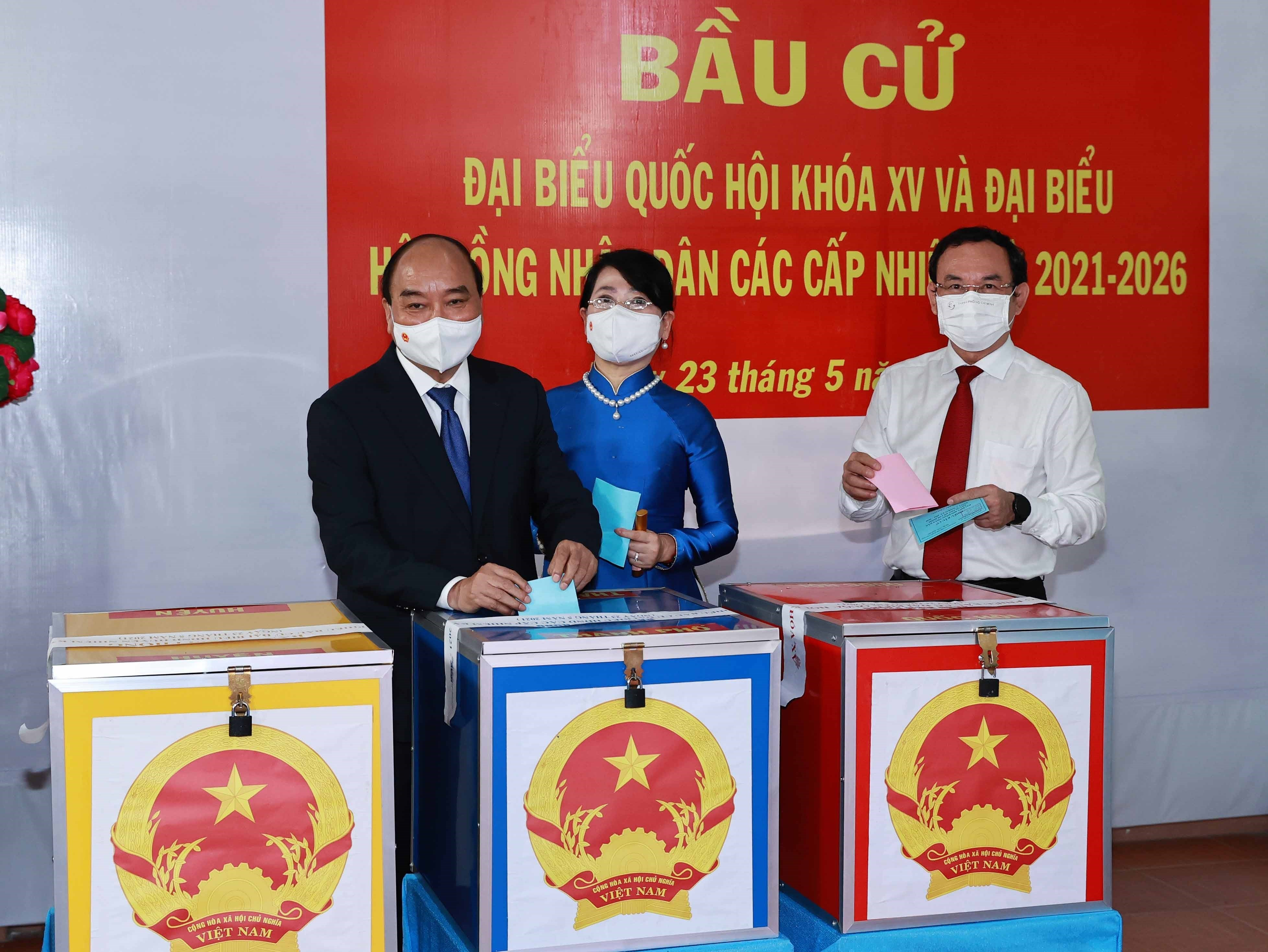 Voters nationwide cast ballots hinh anh 8