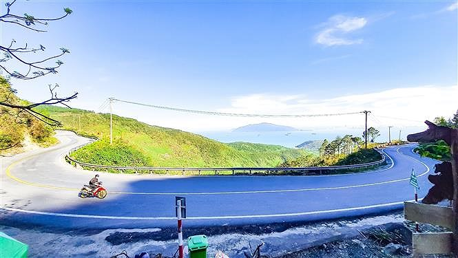 Hai Van pass, the best coast road in central Vietnam hinh anh 3