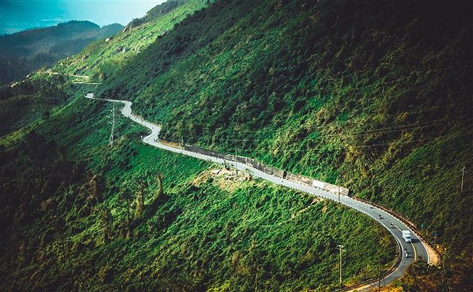 Hai Van pass, the best coast road in central Vietnam hinh anh 6