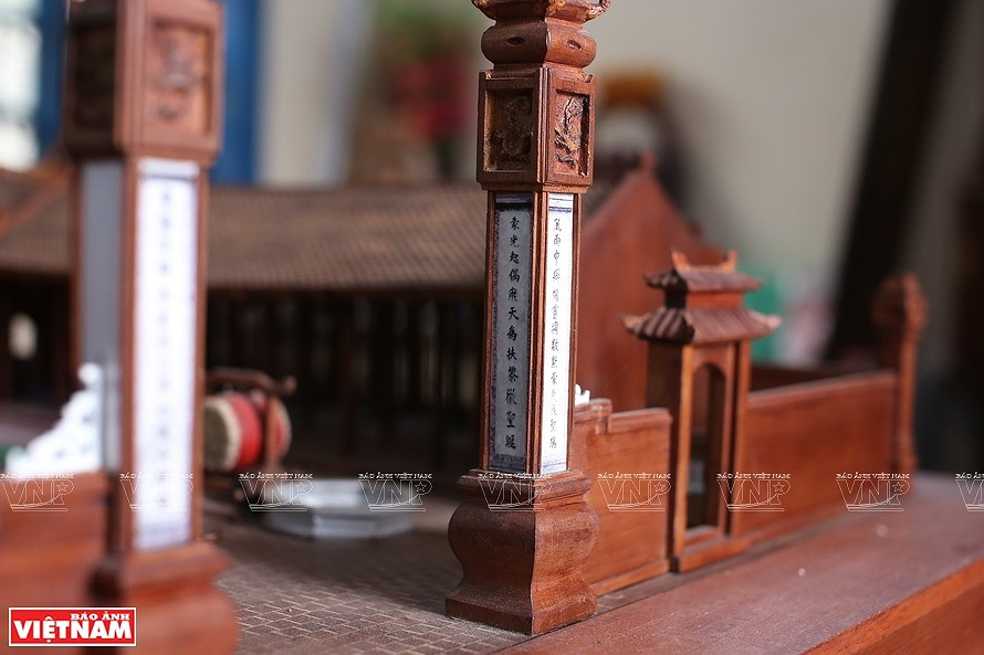 Smallest wooden miniature of communal house in Vietnam hinh anh 2