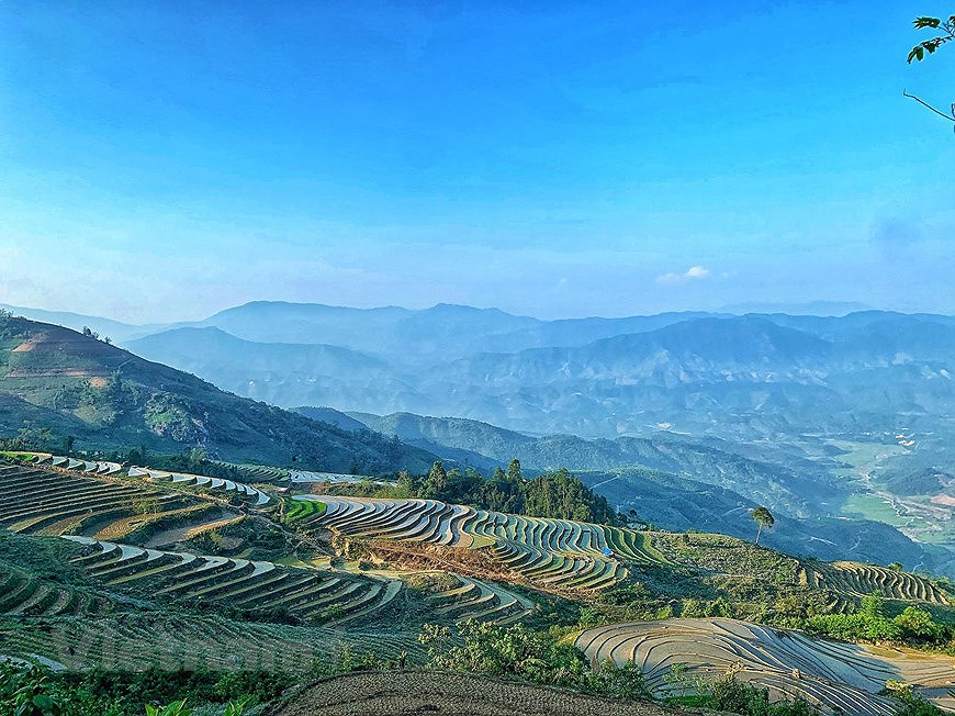Y Ty rice terraces in pouring-water season hinh anh 7