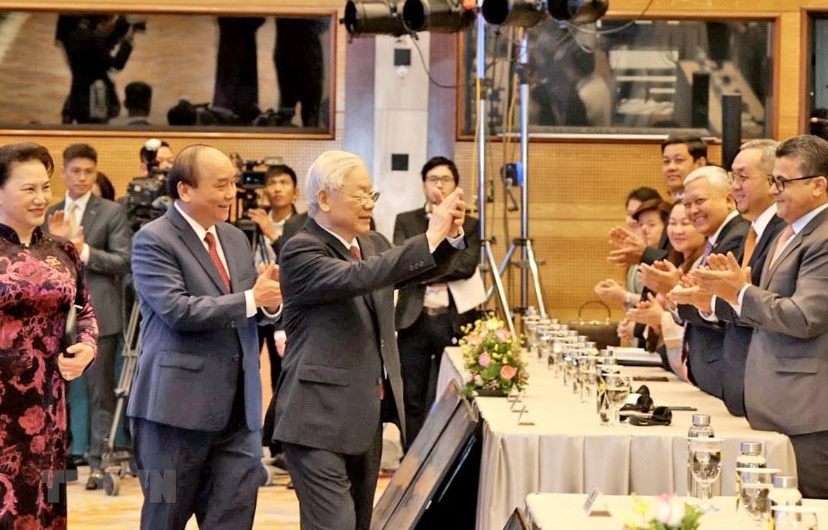 2020 - A year for Vietnam to assert mettle, stature hinh anh 1