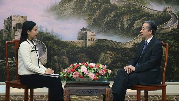Party Congress to create new development momentum for Vietnam: Chinese ambassador hinh anh 2
