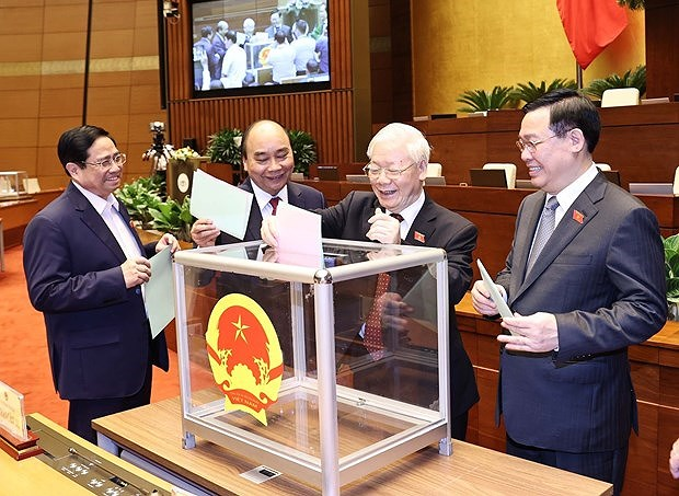 New Vietnamese leaders receive more congratulations hinh anh 1