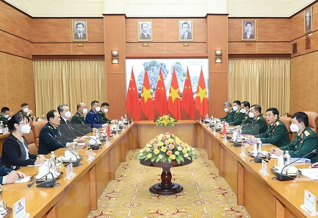 Vietnamese, Chinese defence ministers hold talks in Hanoi hinh anh 2