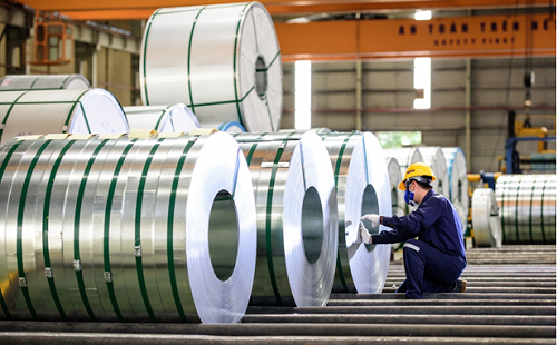 Construction firms face bankruptcy as steel prices soar hinh anh 1