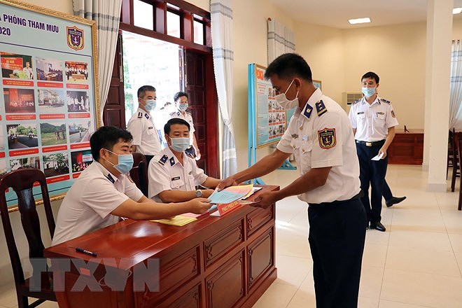 Ba Ria-Vung Tau: Early voting held for soldiers, fishermen hinh anh 2