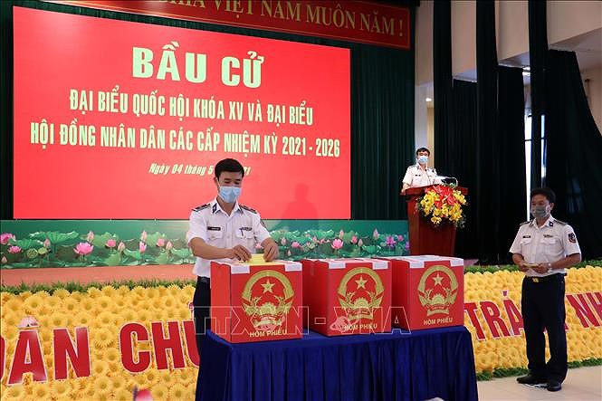 Ba Ria-Vung Tau: Early voting held for soldiers, fishermen hinh anh 1
