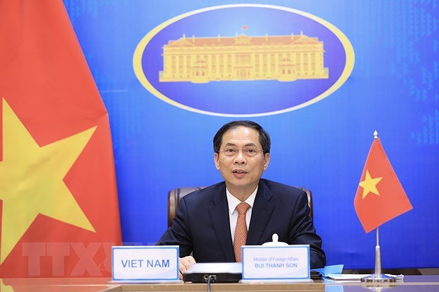 Lao Minister of Foreign Affairs congratulates Vietnamese counterpart hinh anh 1