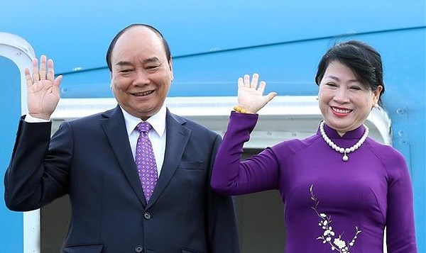 President Nguyen Xuan Phuc leaves for official visit to Laos hinh anh 1