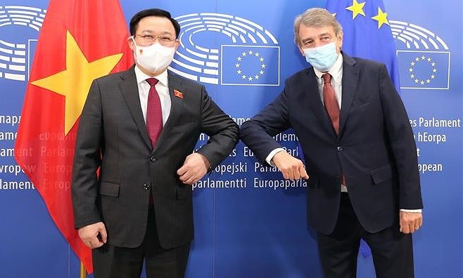 Top leaders of Vietnamese, European parliaments hold talks hinh anh 1