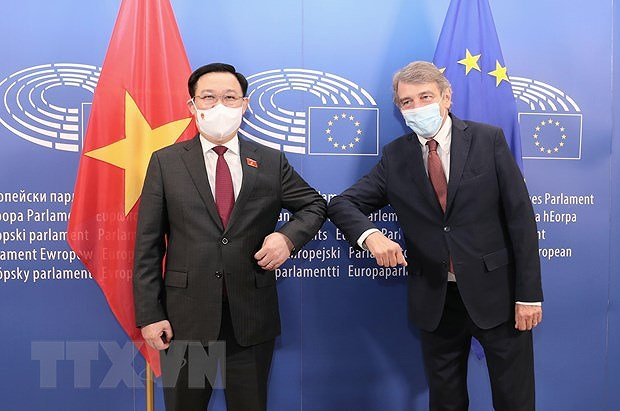 Europe tour by NA Chairman enjoys greater-than-expected success hinh anh 2