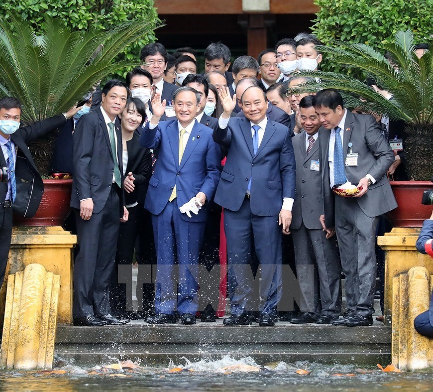 Party, State leader receives Japanese Prime Minister hinh anh 13