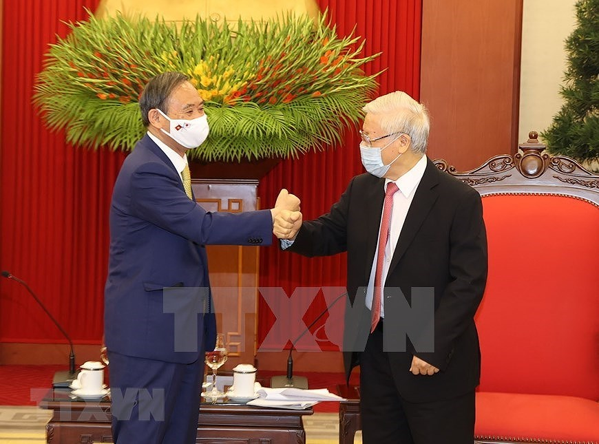 Party, State leader receives Japanese Prime Minister hinh anh 2