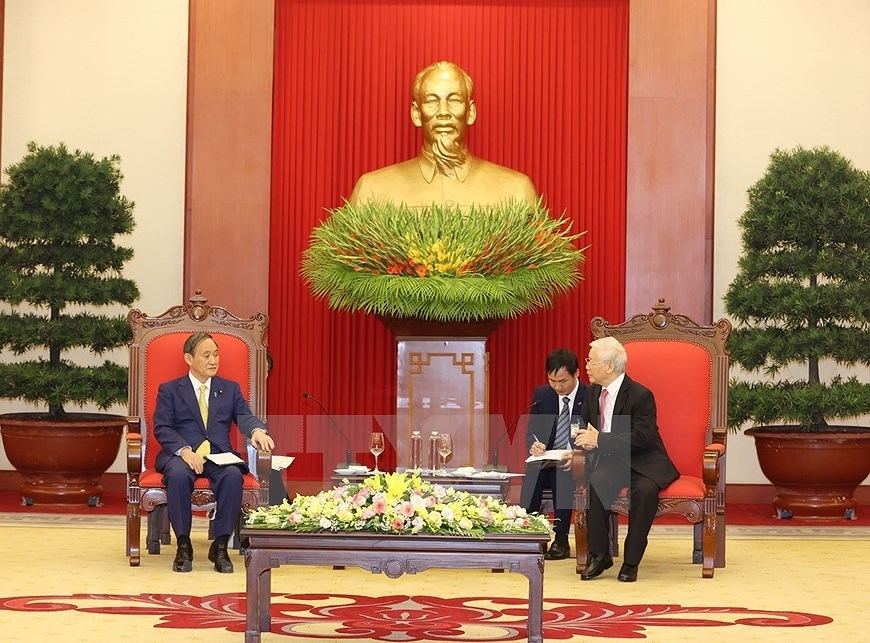 Party, State leader receives Japanese Prime Minister hinh anh 6