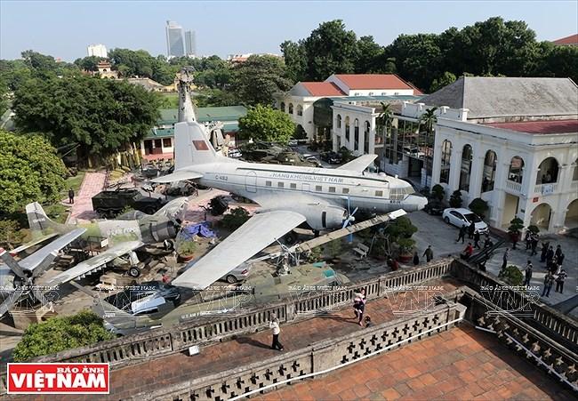 La Torre de la Bandera Nacional: testigo del desarrollo de la capital vietnamita hinh anh 7