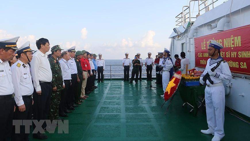 Rinden homenaje a martires vietnamitas caidos en archipielago Truong Sa hinh anh 8
