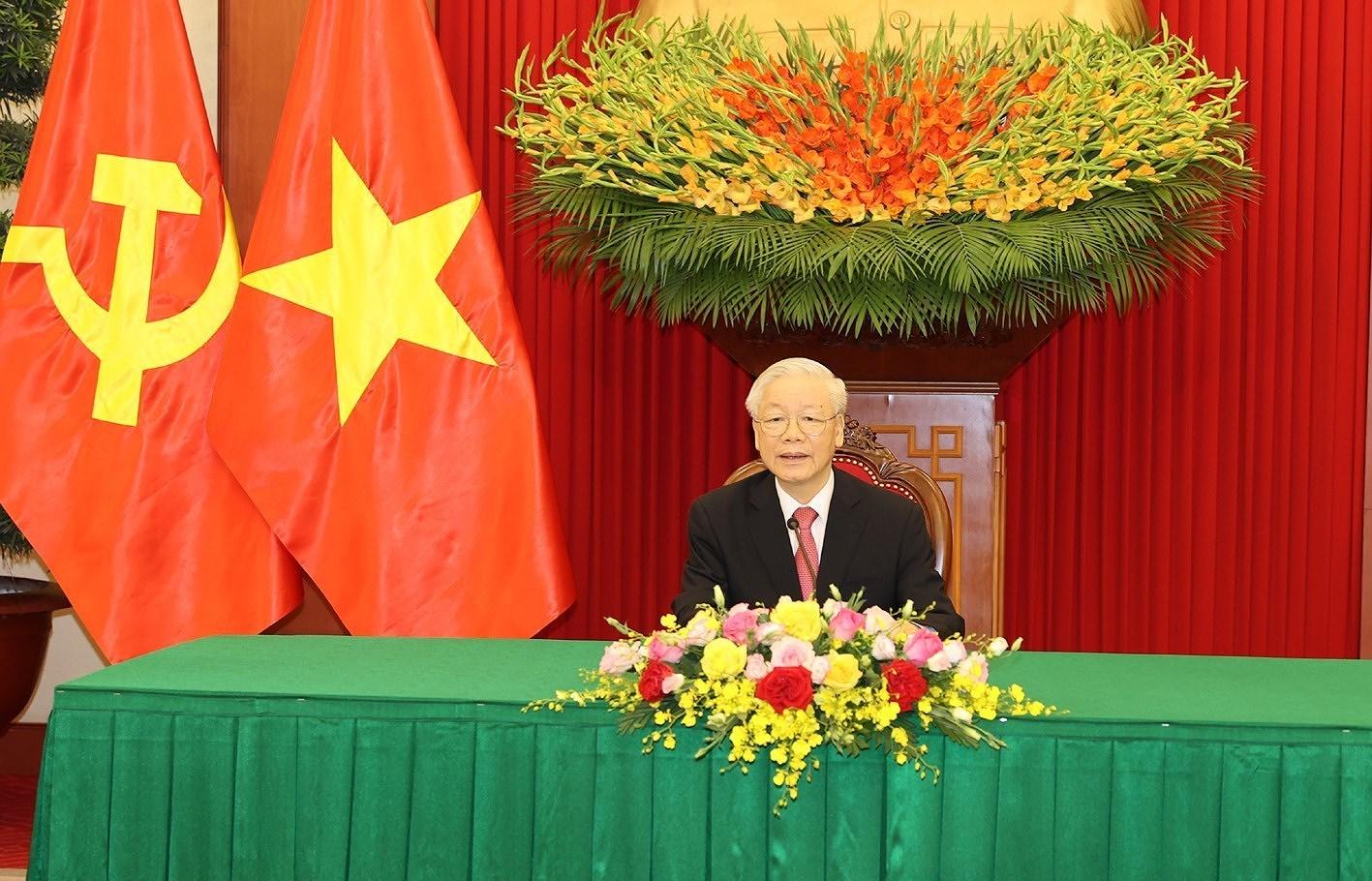 Maximos dirigentes partidistas de Vietnam y Cuba abogan por estrechar aun mas los lazos bilaterales hinh anh 1