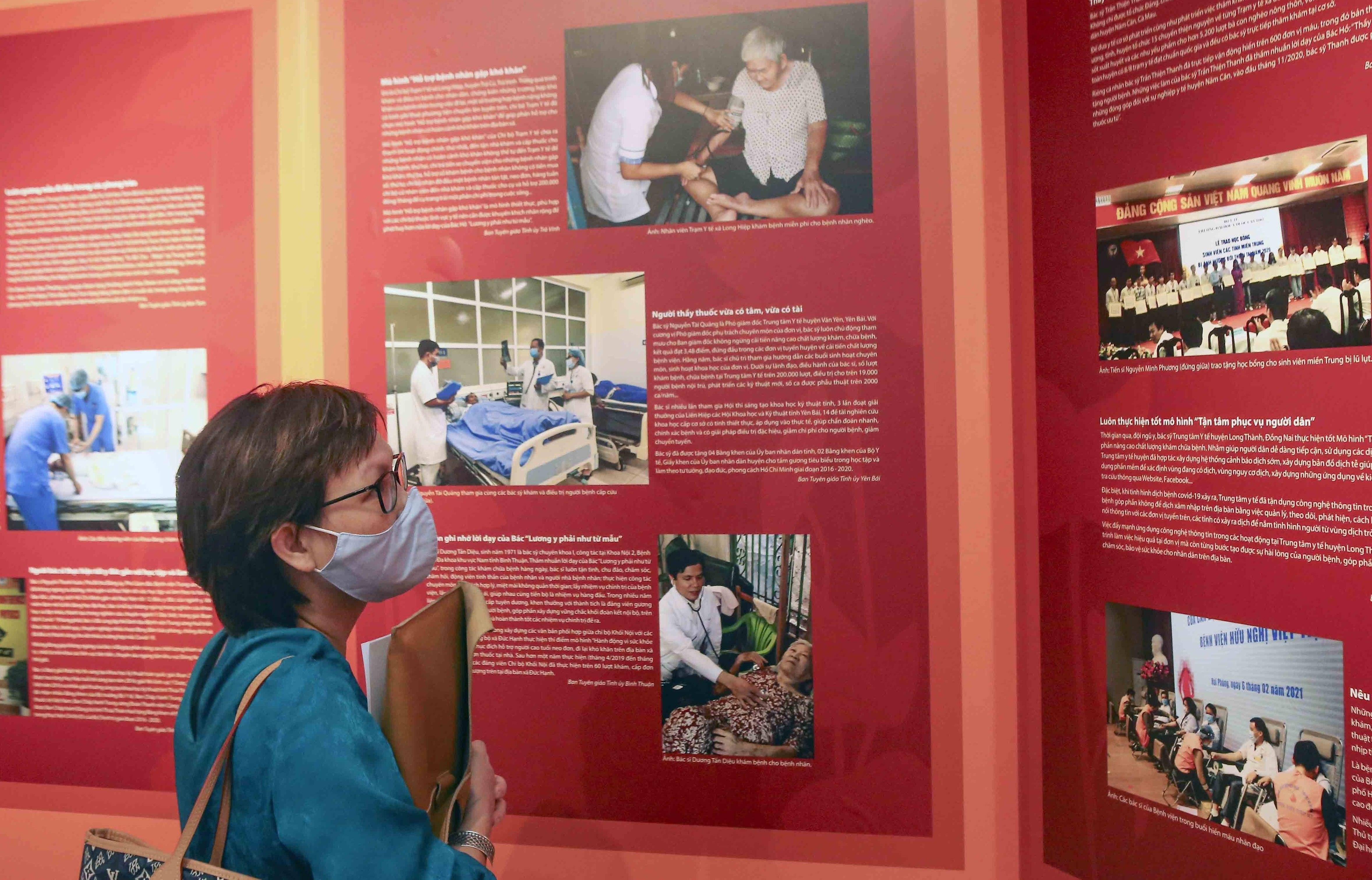 Realizan exposicion sobre seguimiento del ejemplo moral y pensamiento de Ho Chi Minh hinh anh 2