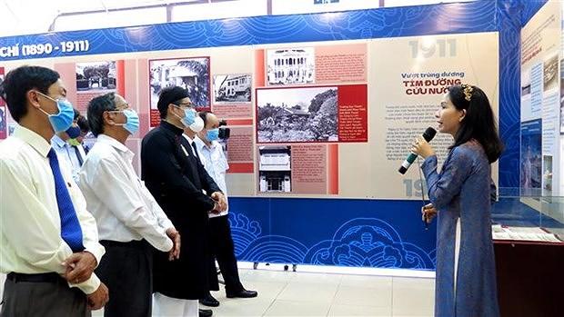 Presidente Ho Chi Minh y su trayectoria revolucionaria a traves de fotos hinh anh 1