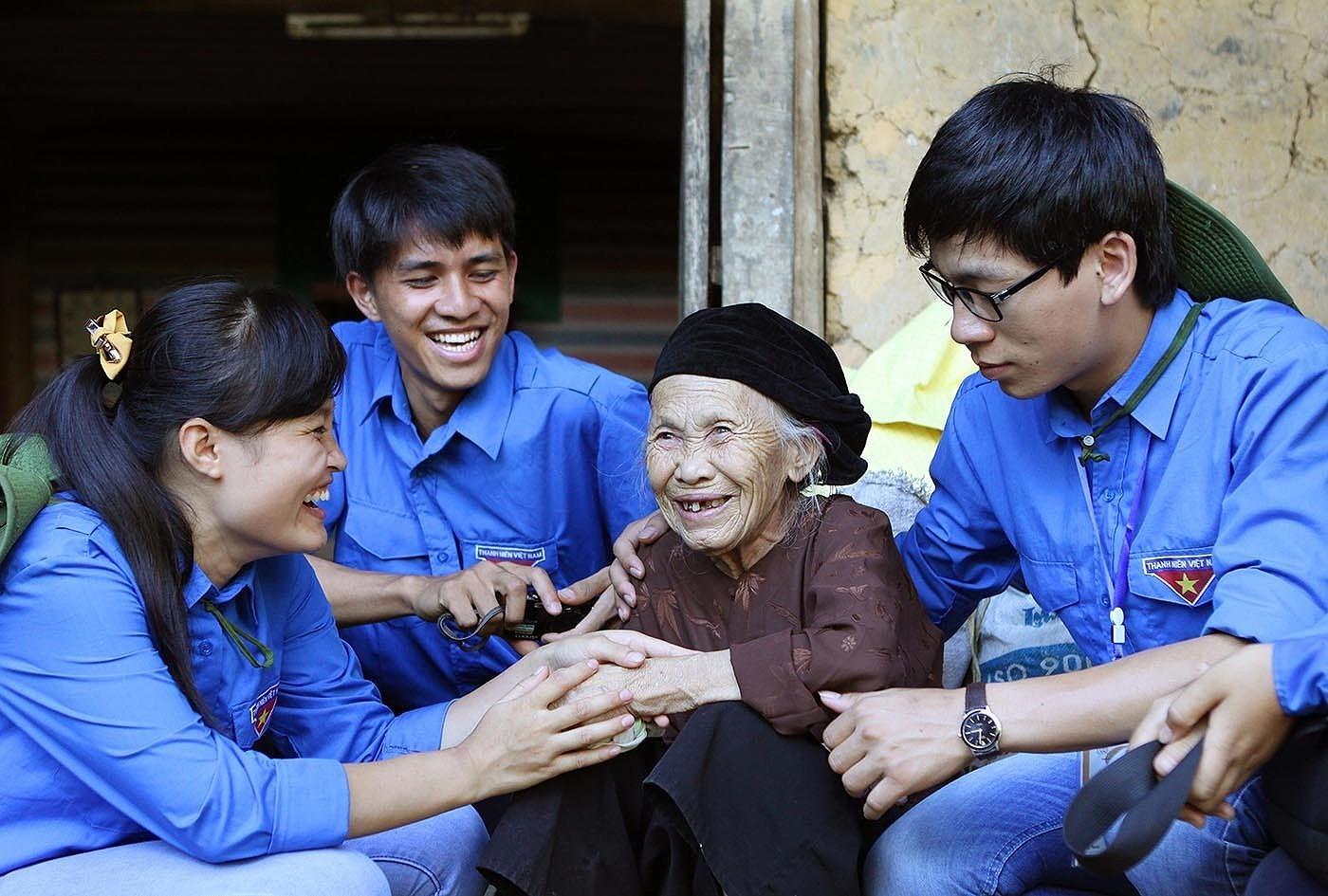 Aniversario 90 de la fundacion de la Union de Jovenes Comunistas Ho Chi Minh hinh anh 8