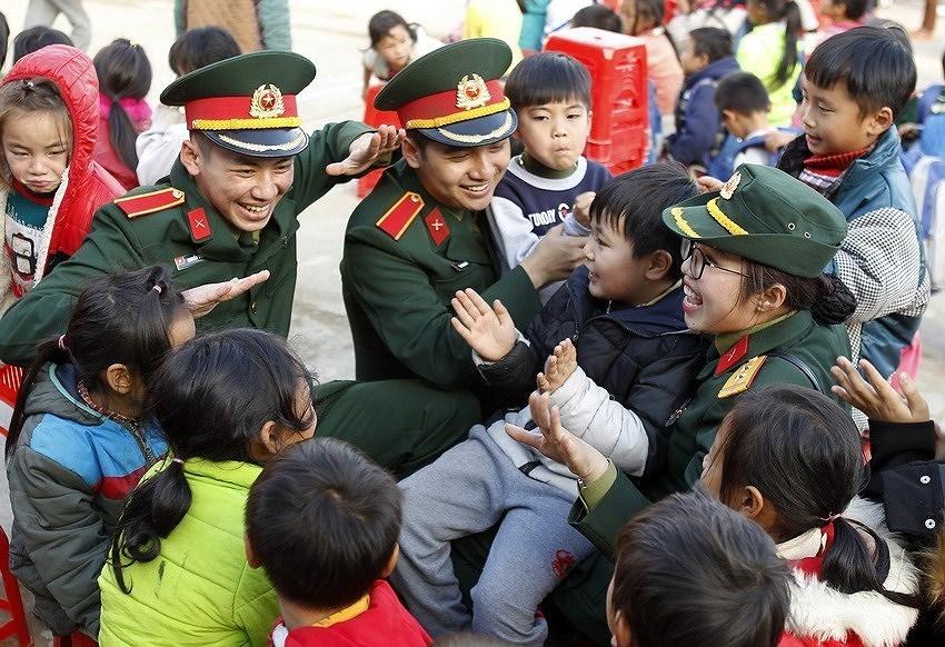 Aniversario 90 de la fundacion de la Union de Jovenes Comunistas Ho Chi Minh hinh anh 11