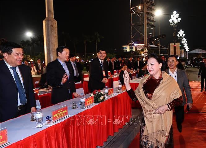 La presidente de l'AN assiste a la ceremonie celebrant les 990 ans de la denomination Nghe An hinh anh 1