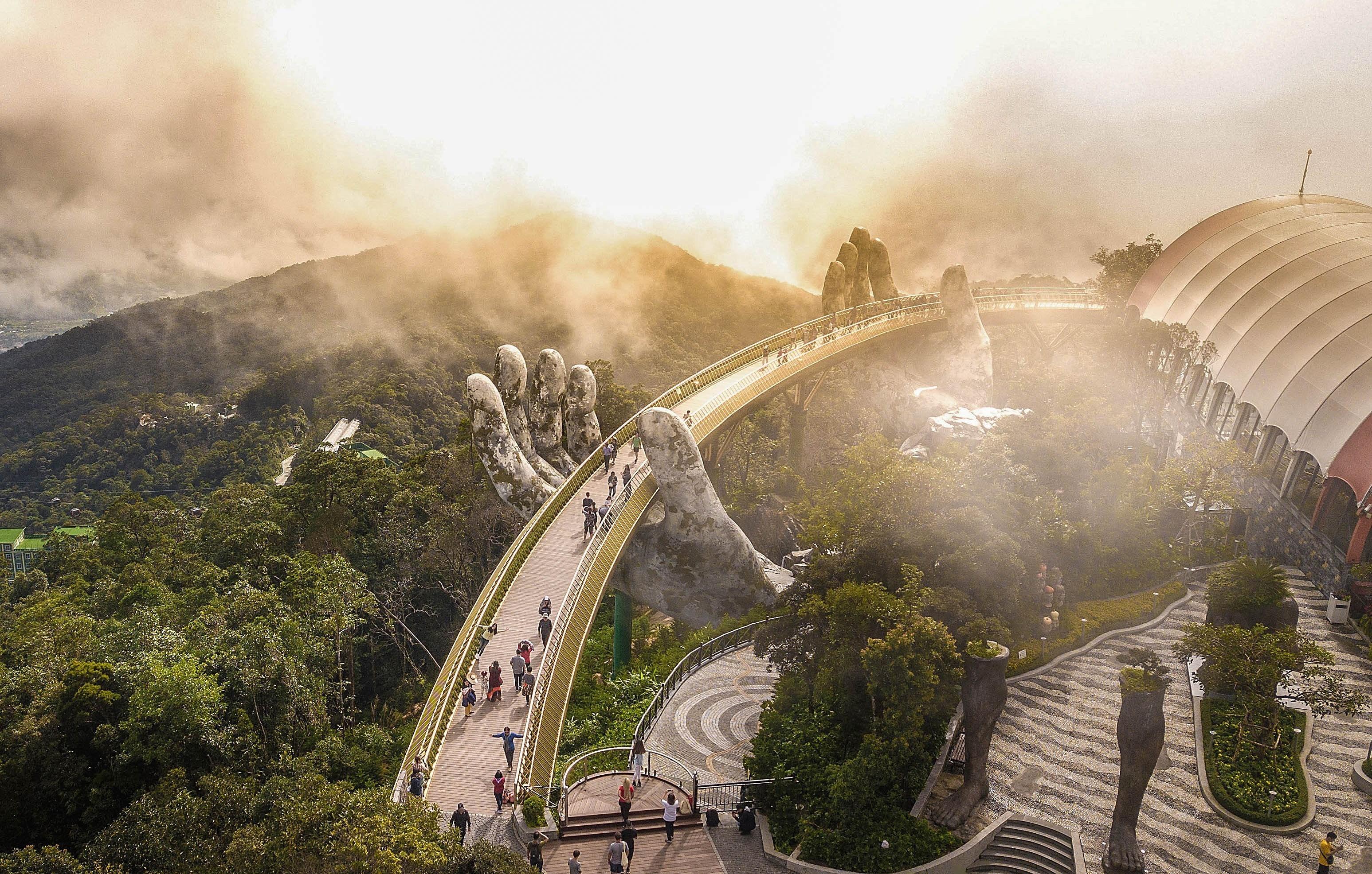 Une ville flottant dans les nuages sur le mont Ba Na hinh anh 7