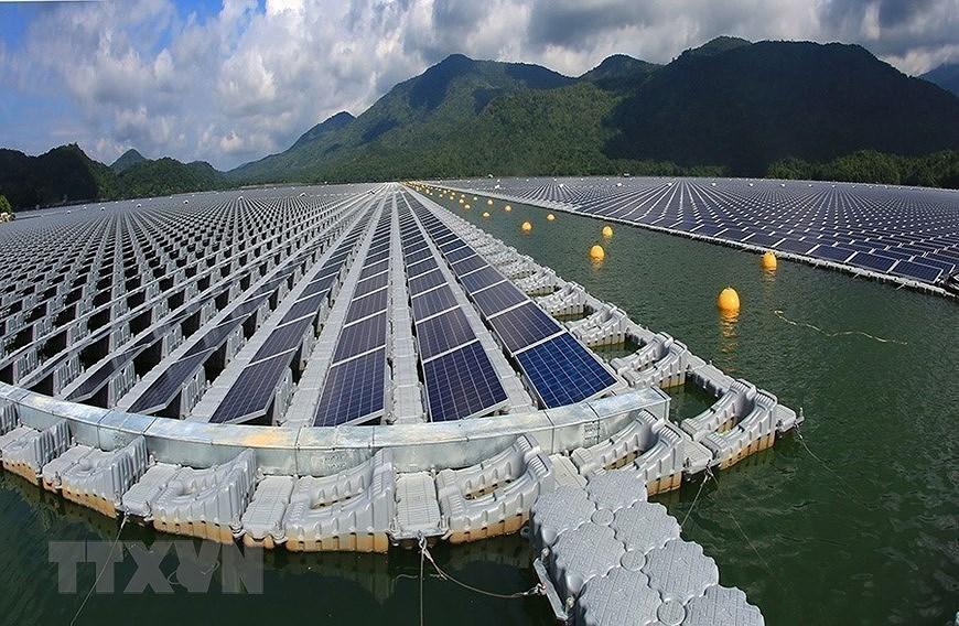 Вьетнам вошел в троику лидеров в Азиатско-Тихоокеанском регионе по переходу на возобновляемые источники энергии hinh anh 3