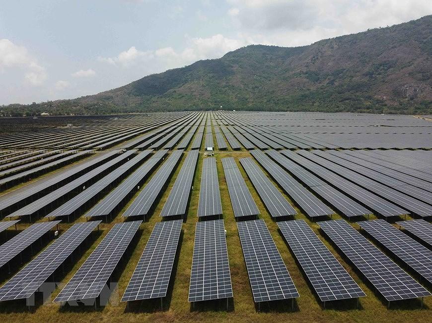 Вьетнам вошел в троику лидеров в Азиатско-Тихоокеанском регионе по переходу на возобновляемые источники энергии hinh anh 4