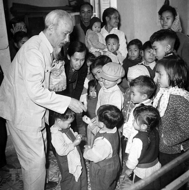 Президент Хо Ши Мин: самыи уважаемыи дядя для детеи hinh anh 3