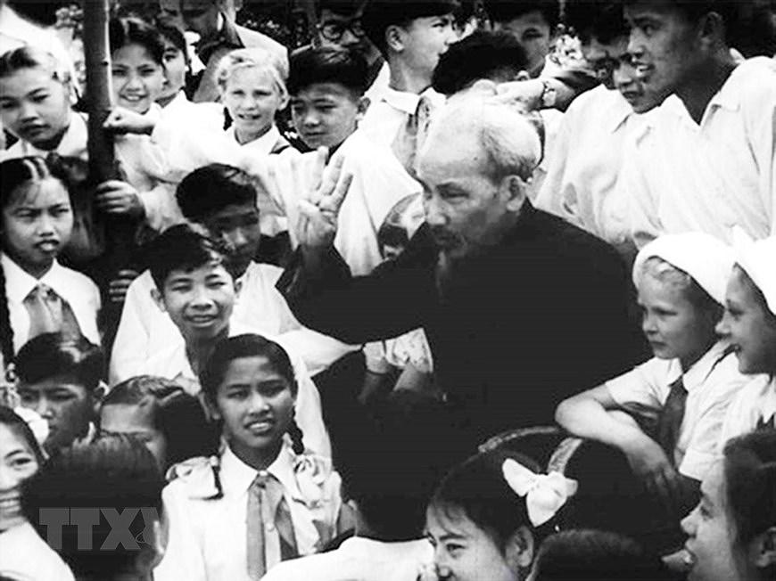 Президент Хо Ши Мин: самыи уважаемыи дядя для детеи hinh anh 6